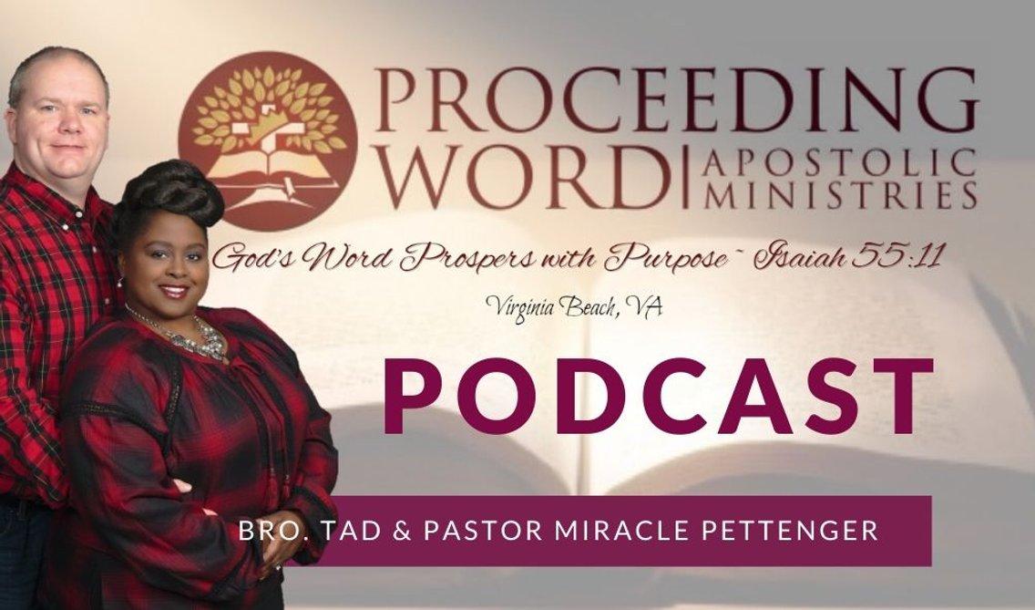 Proceeding Word PODCASTS - imagen de portada