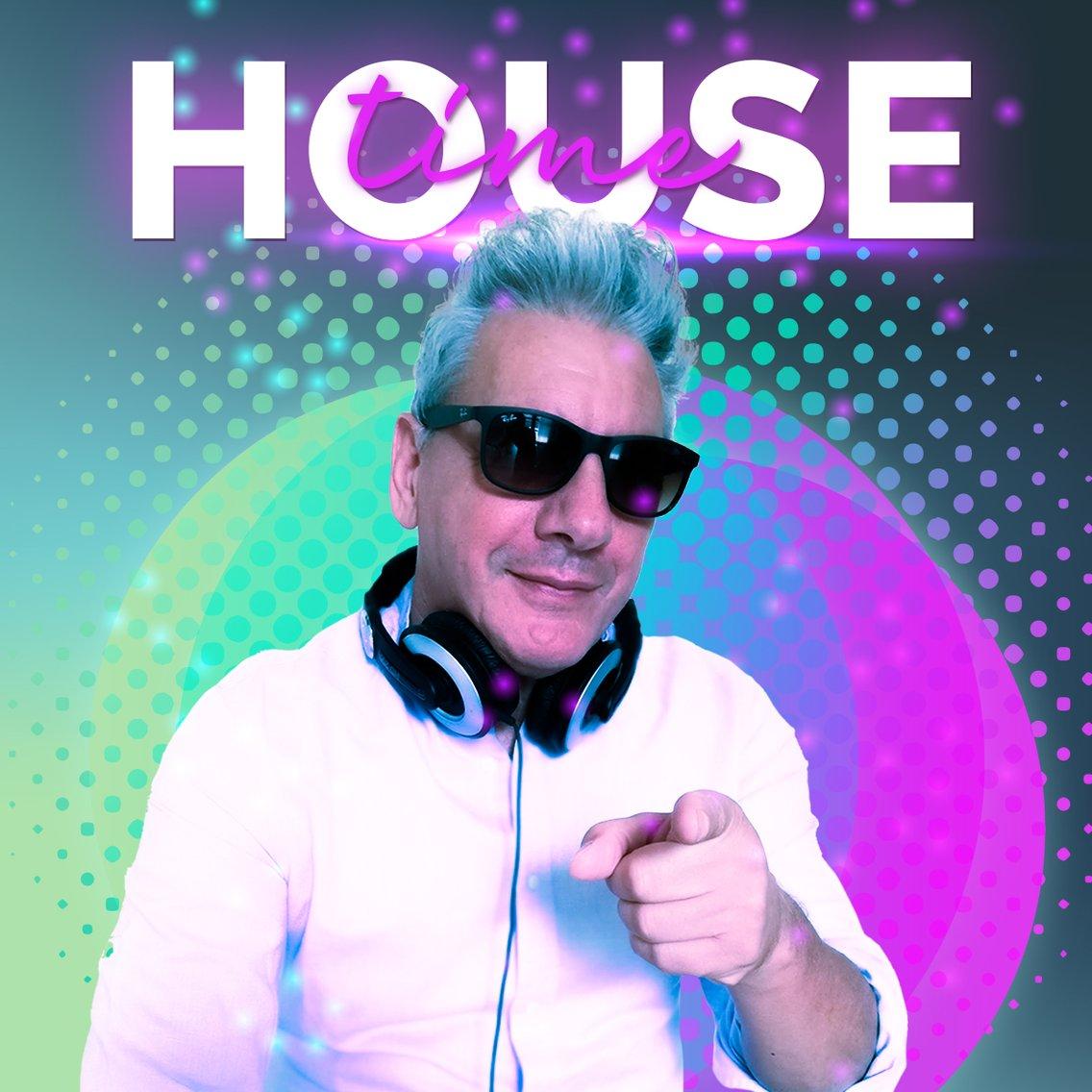 house time - immagine di copertina