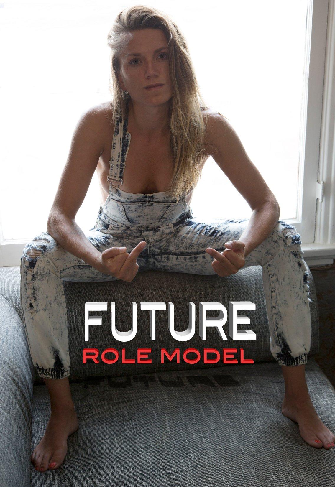 Future Role Model w/Natasha Pearl Hansen - immagine di copertina