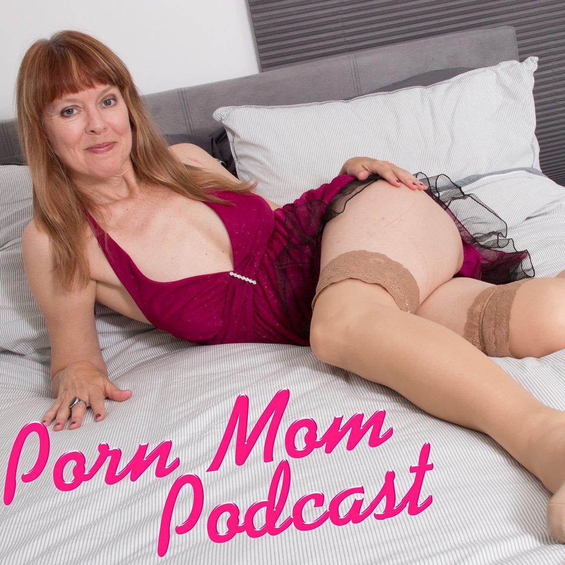 Porn Mom Podcast with Sally Mullins - immagine di copertina