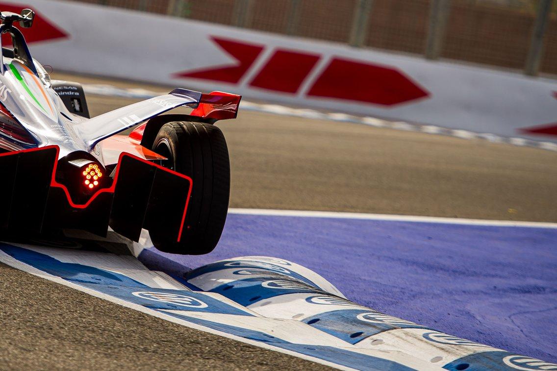 The Race Formula E Podcast - immagine di copertina