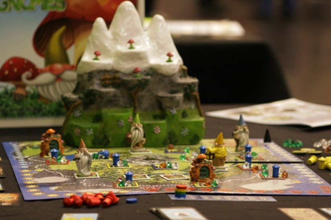Out of the Dust Board Games Podcast - imagen de portada