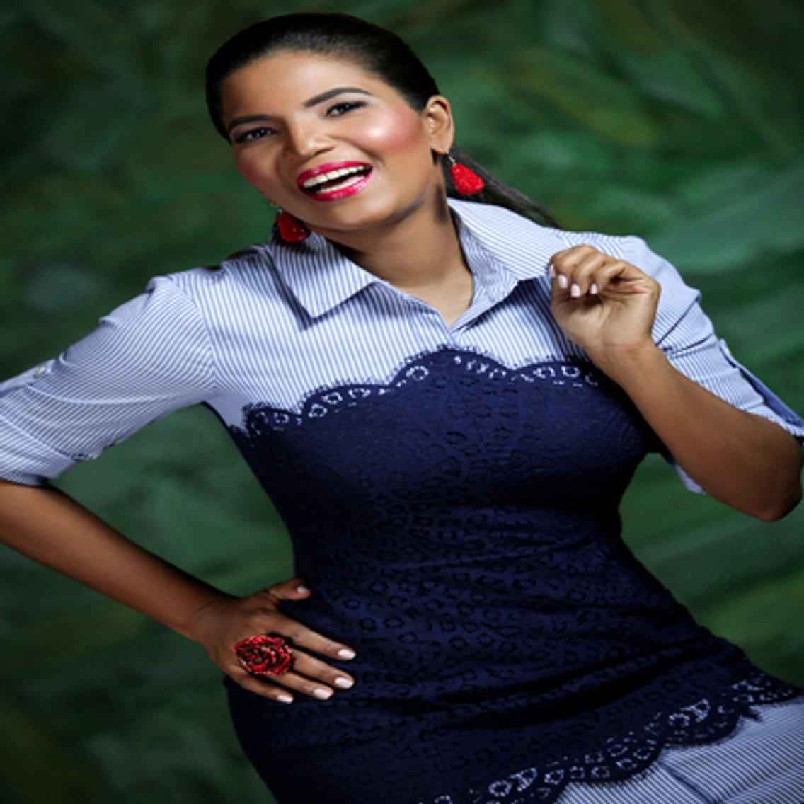 Anibelca Rosario Mas Cerca - immagine di copertina
