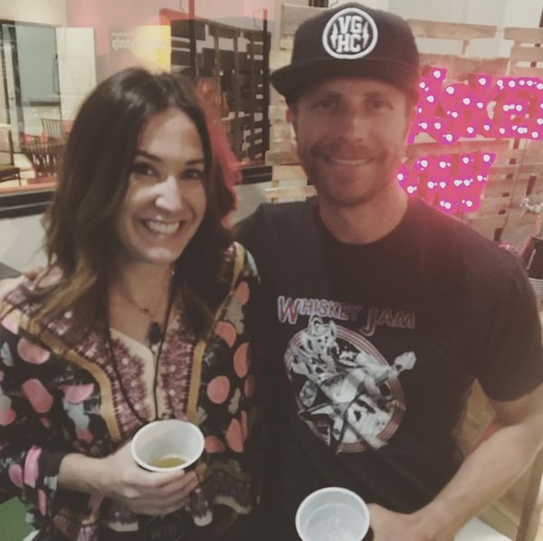 Amanda Jo - Amanda Jo Catches Up With Dierks Bentley